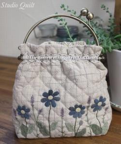 パッチワークではバッグなどかわいい手作りの作品が作れます